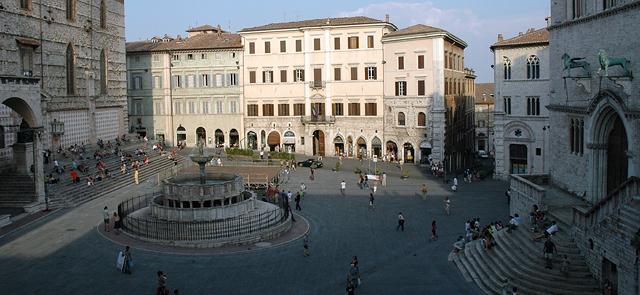 Perugia insieme a t il blog di acilia for Arredare milano piazza iv novembre